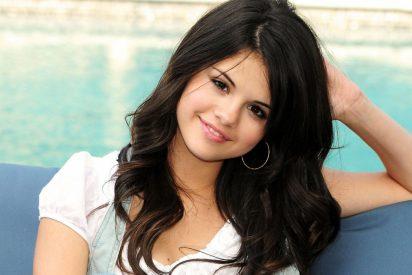 """Selena Gómez, muy cabreada, contesta a las críticos con la serie """"13 Reasons Why"""""""