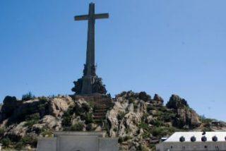 El Congreso insta al Gobierno a que saque los restos de Franco del Valle de los Caídos