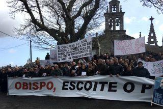 Los vecinos de Friol y Guitiriz continúan pidiendo el regreso de su párroco