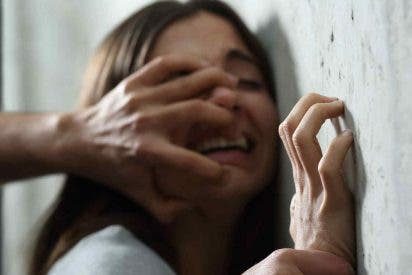 [VÍDEO] Padres simulan un intento de violación para darle una 'lección' a su hija