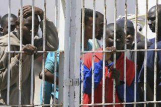 """España expulsa diariamente a 25 inmigrantes y detiene a casi cien personas en situación """"irregular"""""""