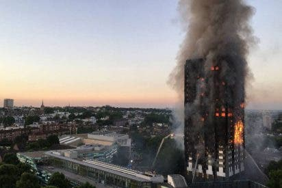 La Policía eleva a 12 el número de muertos en el incendio de un edificio en Londres