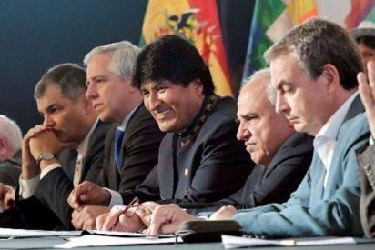 """Zapatero 'el mamporrero' se lo monta con Evo Morales para aplaudir al 'gorila rojo': """"¡Dale duro, Maduro!"""""""