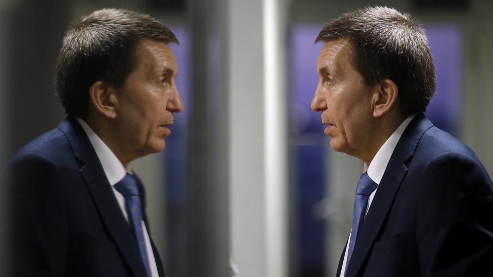 Al fiscal Manuel Moix le huele el culo a pólvora