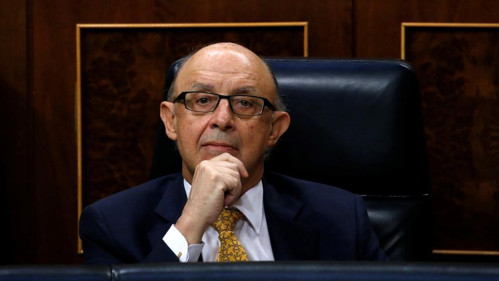 ¿Debe dimitir el ministro Montoro tras el palo del Tribunal Constitucional?