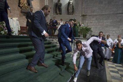 """Interrumpe una boda al grito de """"Alá es grande"""""""
