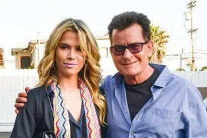 Charlie Sheen nos presenta a su nueva novia Jools