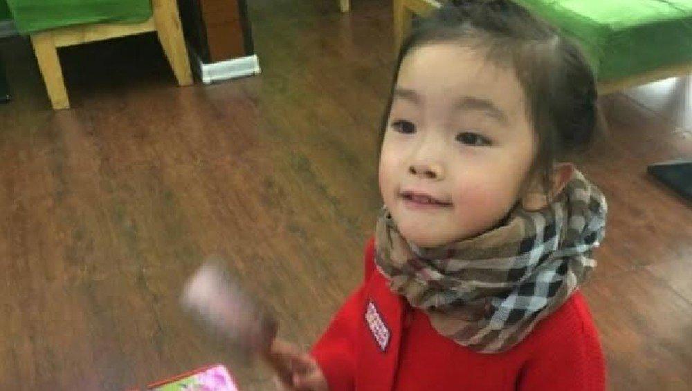 La niña que ha muerto tras sellarle su profesora la boca con pegamento