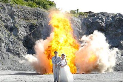 [VÍDEO] La nueva moda son las fotos de boda con una sesión 'pirográfica'