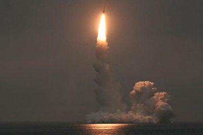 Submarino ruso lanza un misil balístico intercontinental