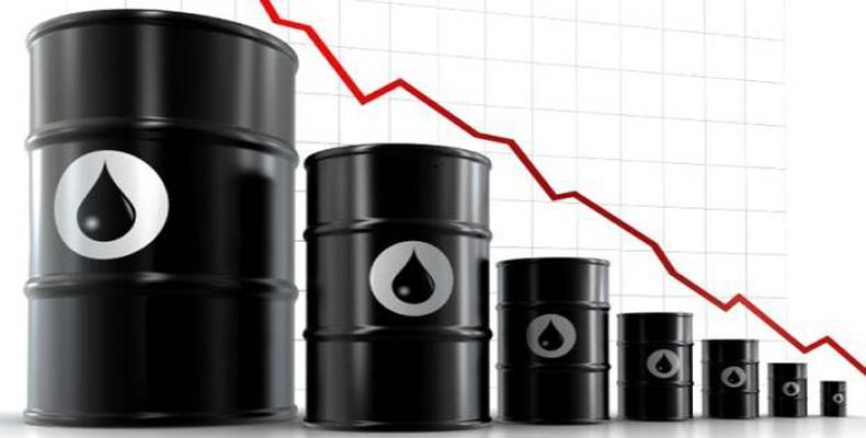 ¿Sabes por qué 'todos' los miércoles se desploma el petróleo?