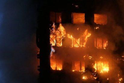 El bebé que lanzaron desde un 9º piso de la torre en llamas en Londres y fue atrapado