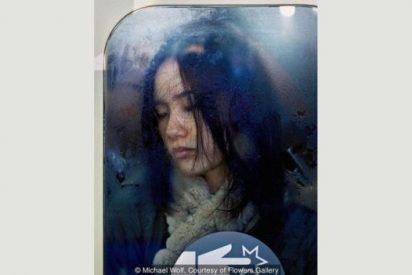 Tecnología claustrofóbica: Así es el sufrimiento cotidiano de viajar en el metro de Tokio