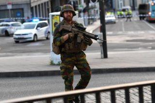 La policía 'neutraliza' a un terrorista con explosivos en la estación central de Bruselas