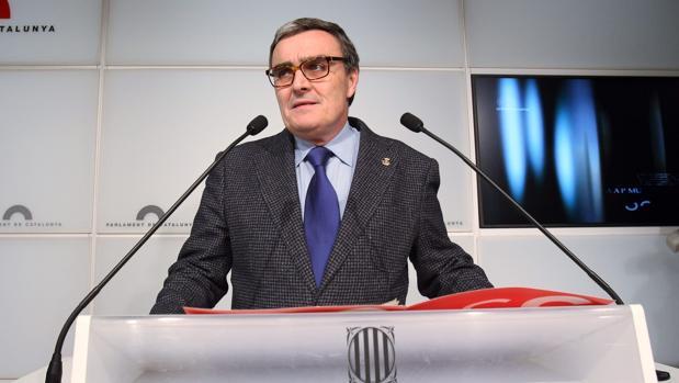 """Los separatistas linchan al alcalde de Lérida por defender España: """"¡Serás un cadáver!"""""""