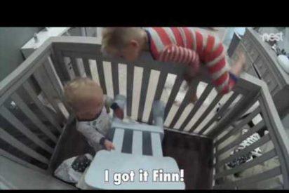 [VÍDEO] El impresionante vídeo del niño que 'liberó' a su hermano pequeño para poder jugar