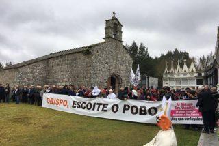 El obispo de Lugo vuelve a evitar encontrarse con los vecinos de Friol y Guitiriz