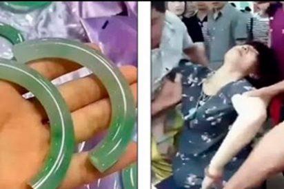 [VIDEO] Esta mujer se desmaya en una tienda tras romper una pulsera de 44.000 dólares