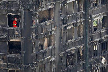 Francisco expresa su pesar por el incendio de Londres