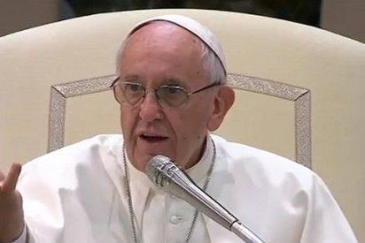 """El Papa a los jóvenes: """"El mundo se cambia abriendo el corazón, compartiendo las cosas. Y vosotros lo podéis hacer"""""""