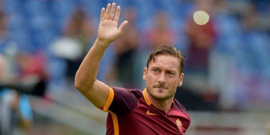 Francesco Totti puede descolgar las botas para jugar una temporada en un equipo histórico