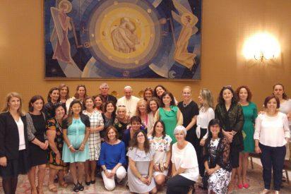 """Francisco, a los divorciados: """"La Iglesia os arropa y abraza"""""""