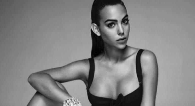 Georgina Rodríguez debuta como modelo con un posado 'hot'