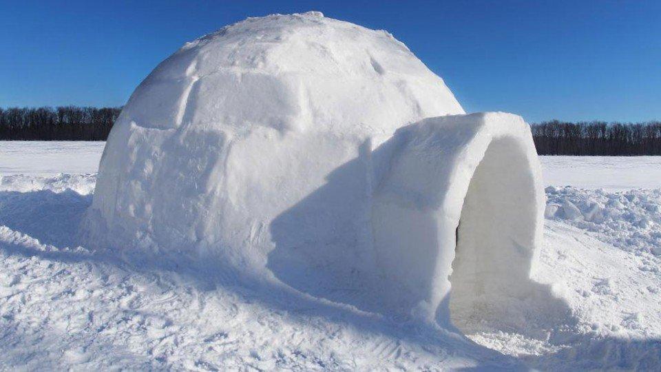 Ni los esquimales saben ya como se construye un iglú