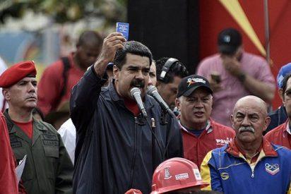 El dictador Nicolás Maduro, el amigo de Podemos, reemplaza a su cúpula militar
