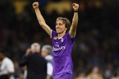 La llamada que pone en peligro el futuro de Modric en el Madrid (y no es el Bayern)