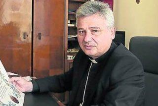 El limosnero del Papa cede su apartamento en el Vaticano a una familia siria refugiada