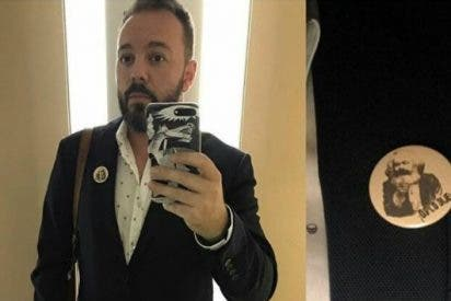 """Twitter se vuelve contra Antonio Maestre: """"Hola, soy un paria de la tierra, por eso, me hago un selfie con un móvil de 700 pavos"""""""