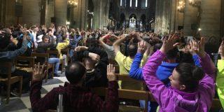 """El ataque con un martillo al policía en la catedral de Notre Dame: """"¡Esto es por Siria!"""""""