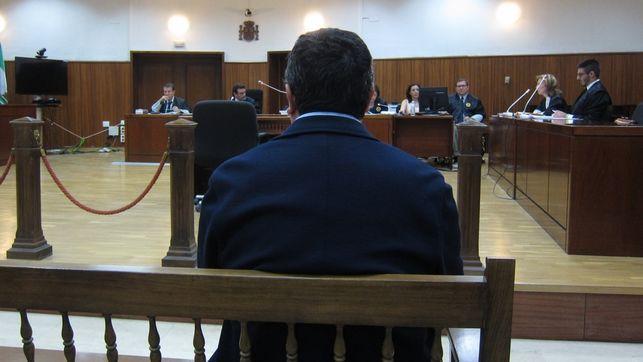 Condenado a cinco años de cárcel el cura de Villanueva del Duque