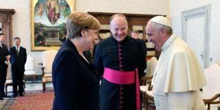 """El Papa y Merkel en """"sintonía"""" sobre multilateralismo y protección del medioambiente"""