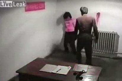 [VÍDEO] Así torturan a una mujer en Corea del Norte por tener relaciones sexuales con un chino