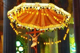 La senyera y la cruz: Todos los obispos son catalanistas, pero nueve de los catorce no son nacionalistas