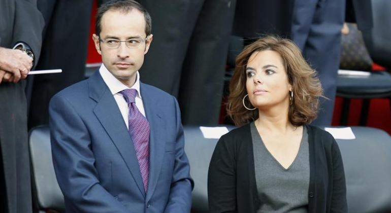 Soraya Sáenz de Santamaría y su marido bailan con el 'corazón partío'