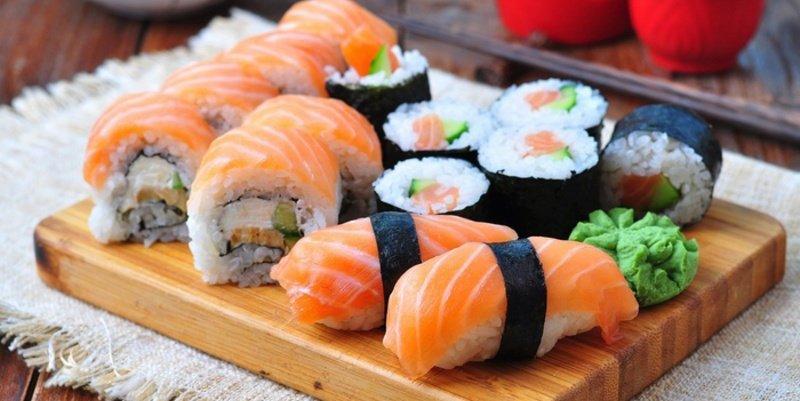 Lo que realmente ingerimos cuando pedimos sushi en el restaurante japonés