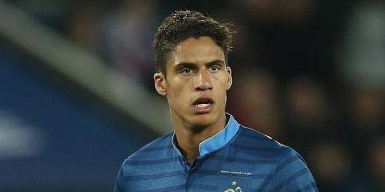 Francia doblega a Inglaterra (3-2) pese a la expulsión de Varane