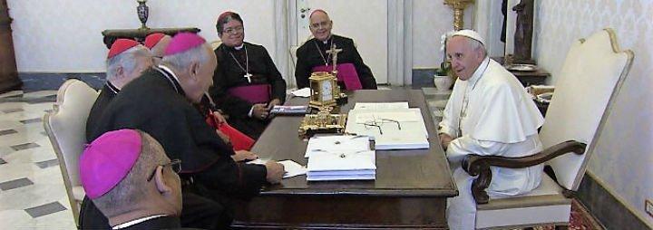 """Francisco: """"En la voz de los obispos venezolanos también resuena la mía"""""""
