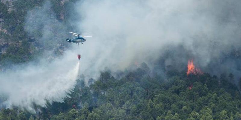 El incendio de Yeste, del que los vecinos culpan a los ecologistas, supera las 3.000 hectáreas