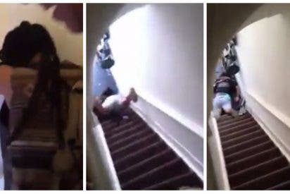 [VÍDEO] Arrojó a inquilina por la escalera porque tardó una hora en salir del piso