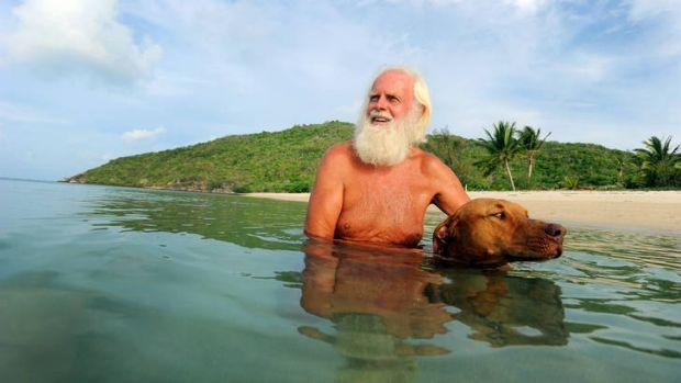 El Robinson Crusoe australiano al que desahucian de su isla paradisíaca