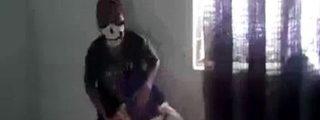 El malandro venezolano de la calavera que decapita con una sierra al gordinflón soplón
