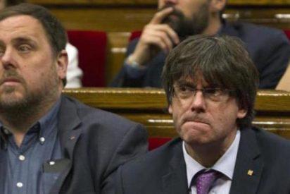 Así menosprecian los secesionistas a los medios críticos: Puigdemont se burla del diario El País para después confirmar lo que habían publicado