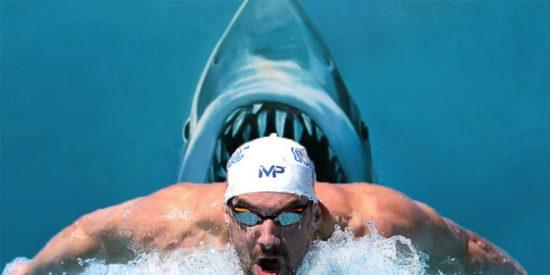 [VÍDEO] Michael Phelps pierde su reto de natación con un tiburón blanco