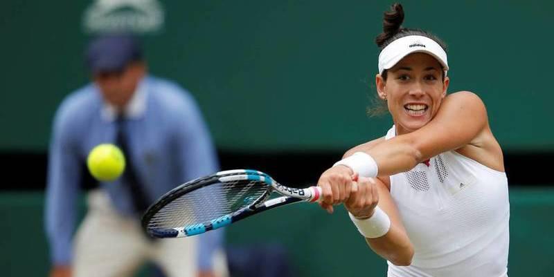 Garbiñe Muguruza corre a pelotazos a Rybarikova y s emete en la final de Wimbledon
