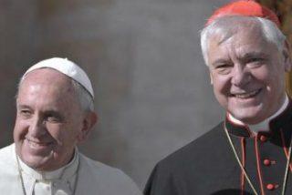 """Müller acusa al Papa Francisco de haberle despedido """"en tan solo un minuto"""""""
