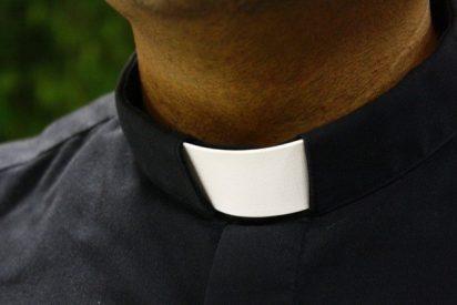 Acusan a tres mujeres cachondas de violar a un pastor... ¡religioso!